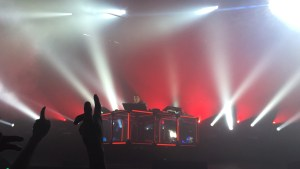 Flume at Shrine Auditorium 8/12/16. Photo by Kwanza Gooden. Licensed by www.BlurredCulture.com.