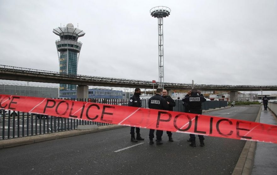 Man shot dead at Paris airport after attacking soldier