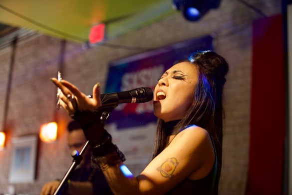 Fifi Rong // 3/18/2017 at Latitude 30 presented by the British Music Embassy and Ticketweb. // SXSW 2017 // Photo by Derrick K. Lee, Esq. (@Methodman13) for www.BlurredCulture.com.