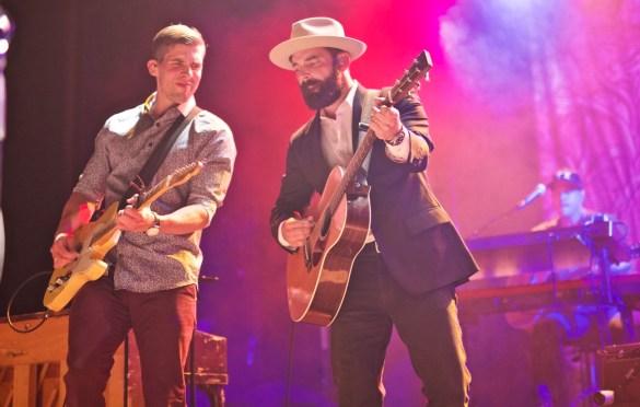 Drew Holcomb & The Neighbors @ El Rey Theatre 4/27/17 // Photo by Derrick K. Lee, Esq. (@Methodman13) for www.BlurredCulture.com.