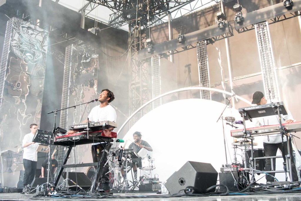 Sampha (front row shot) @ Forrest Hill Stadium 5/19/17. Photo by Vivian Wang (@Lithophyte) for www.BlurredCulture.com.
