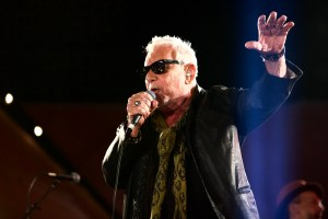 Eric Burdon at Santa Monica Pier's Twilight Concerts 7/20/17. Photo by Derrick K. Lee, Esq. (@Methodman13) for www.BlurredCulture.com.