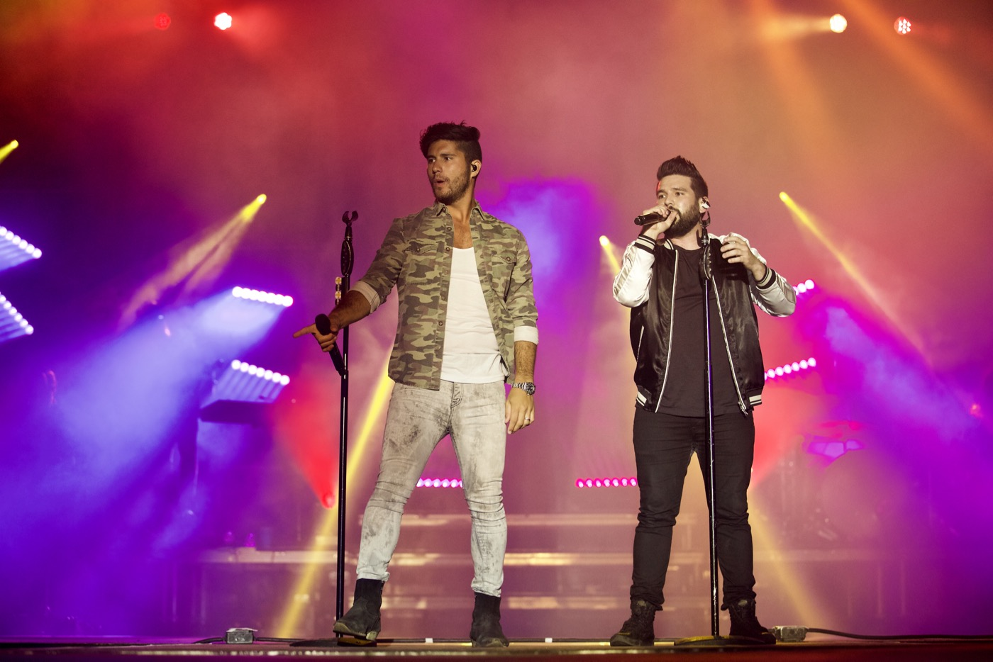 Dan and Shay @ MuscleKingz Car Show & Concert at SilverLakes Sports Complex July 1, 2017 || Photo by Derrick K. Lee, Esq. (@Methodman13) for www.BlurredCulture.com.