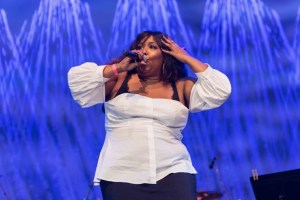 "Lizzo at NPR's ""Turning The Tables"" @ Damrosch Park 7/26/17. Photo by Vivian Wang (@Lithophyte) for www.BlurredCulture.com."