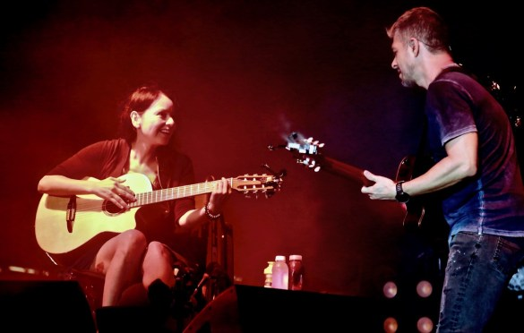 Rodrigo y Gabriela at KRCW/Annenberg Space for Photography's