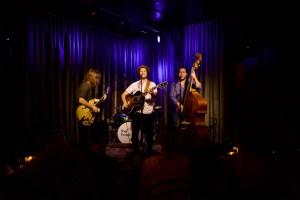 Jamie Kent @ Hotel Cafe 8/29/17. Photo by Derrick K. Lee, Esq. (@Methodman13) for www.BlurredCulture.com.
