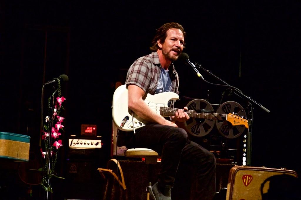 Eddie Vedder @ The Ohana Fest 9/9/17. Photo by Derrick K. Lee, Esq. (@Methodman13) for www.BlurredCulture.com.