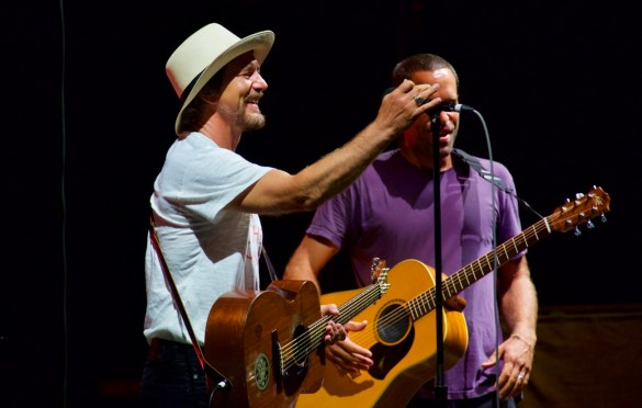 Eddie Vedder w/ Jack Johnson @ The Ohana Fest 9/10/17. Photo by Derrick K. Lee, Esq. (@Methodman13) for www.BlurredCulture.com.