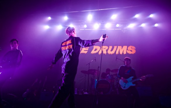 The Drums at The Fonda Theater 11/3/17. Photo by Derrick K. Lee, Esq. (@Methodman13) for www.BlurredCulture.com.