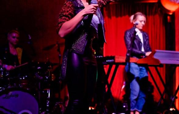 Bonnie McKee @ School Night 10/23/17. Photo by Derrick K. Lee, Esq. (@Methodman13) for www.BlurredCulture.com.