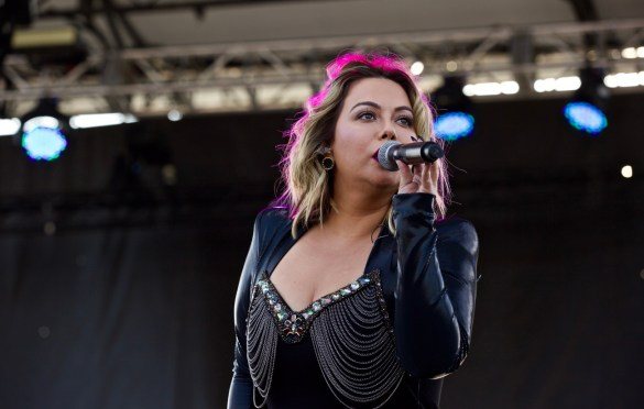 Chiquis Rivera at The Growlers Six 10/29/17. Photo by Derrick K. Lee, Esq. (@Methodman13) for www.BlurredCulture.com.