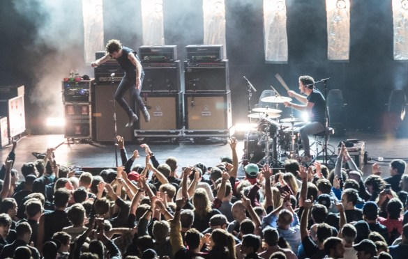 Japandroids @ Brooklyn Steel 11/26/17. Photo by Vivian Wang (@Lithophyte) for www.BlurredCulture.com.