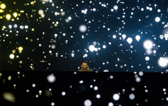 Zedd @ SnowGlobe 2017. Photo by Ghanee Ludin (@GhaneePhoto) for www.BlurredCulture.com.
