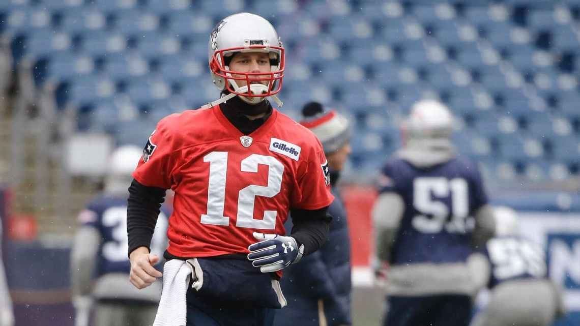 Brian Hoyer 'ready to go' as Tom Brady deals with injured throwing hand