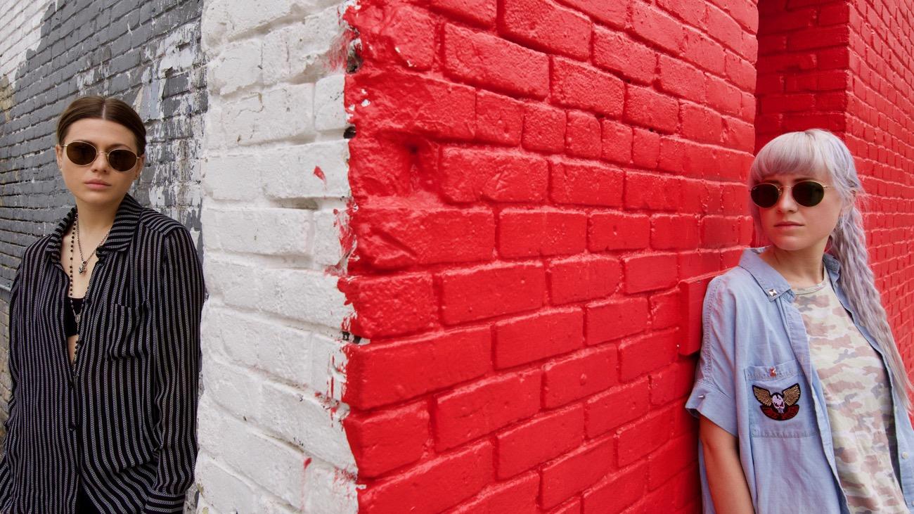 Larkin Poe at SXSW 3/17/18. Portrait. Photo by Derrick K. Lee, Esq. (@Methodman13) for www.BlurredCulture.com.