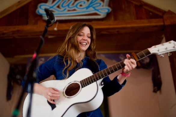 Jade Bird at Luck Reunion 3/15/18. Photo by Derrick K. Lee, Esq. (@Methodman13) for www.BlurredCulture.com.