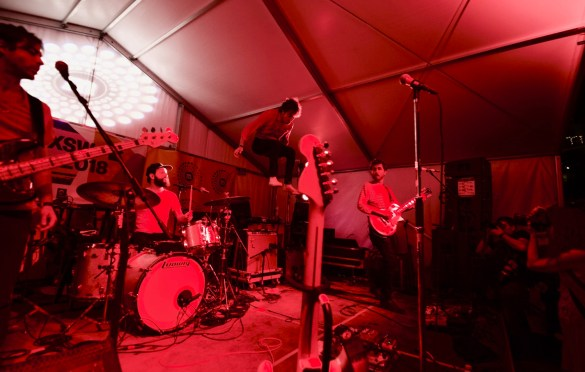 Albert Hammond Jr. @ Lustre Pearl during SXSW 3/17/18. Photo by Derrick K. Lee, Esq. (@Methodman13) for www.BlurredCulture.com.