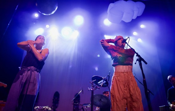 Miya Folick at Fonda Theatre 4/10/18. Photo by Derrick K. Lee, Esq. (@Methodman13) for www.BlurredCulture.com.