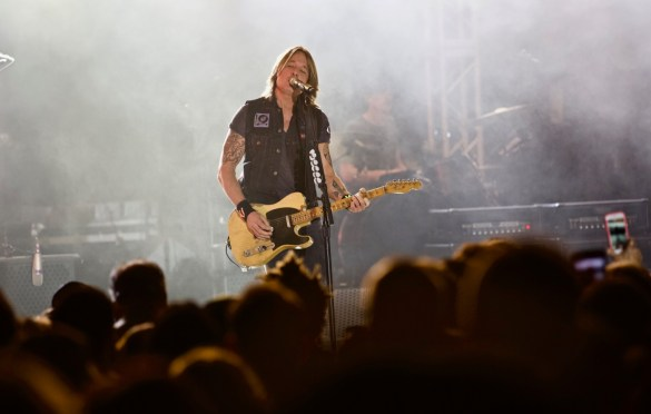Keith Urban @ Stubb's for SXSW 3/16/18. Photo by Derrick K. Lee, Esq. (@Methodman13) for www.BlurredCulture.com.