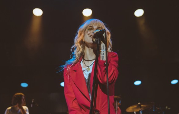 Paramore @ Shoreline Amphitheatre 7/21/18. Photo by Curtis Vadnais (@CurtisVadnais) for www.BlurredCulture.com.