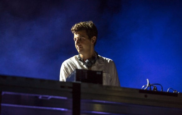 Jamie xx for All My Friends @ Row DTLA 8/19/18.  Photo by Derrick K. Lee, Esq. (@Methodman13) for www.BlurredCulture.com.