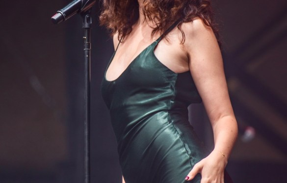 Sabrina Claudio @ Outside Lands Music And Arts Festival 8/12/18. Photo by Derrick K. Lee, Esq. (@Methodman13) for www.BlurredCulture.com.