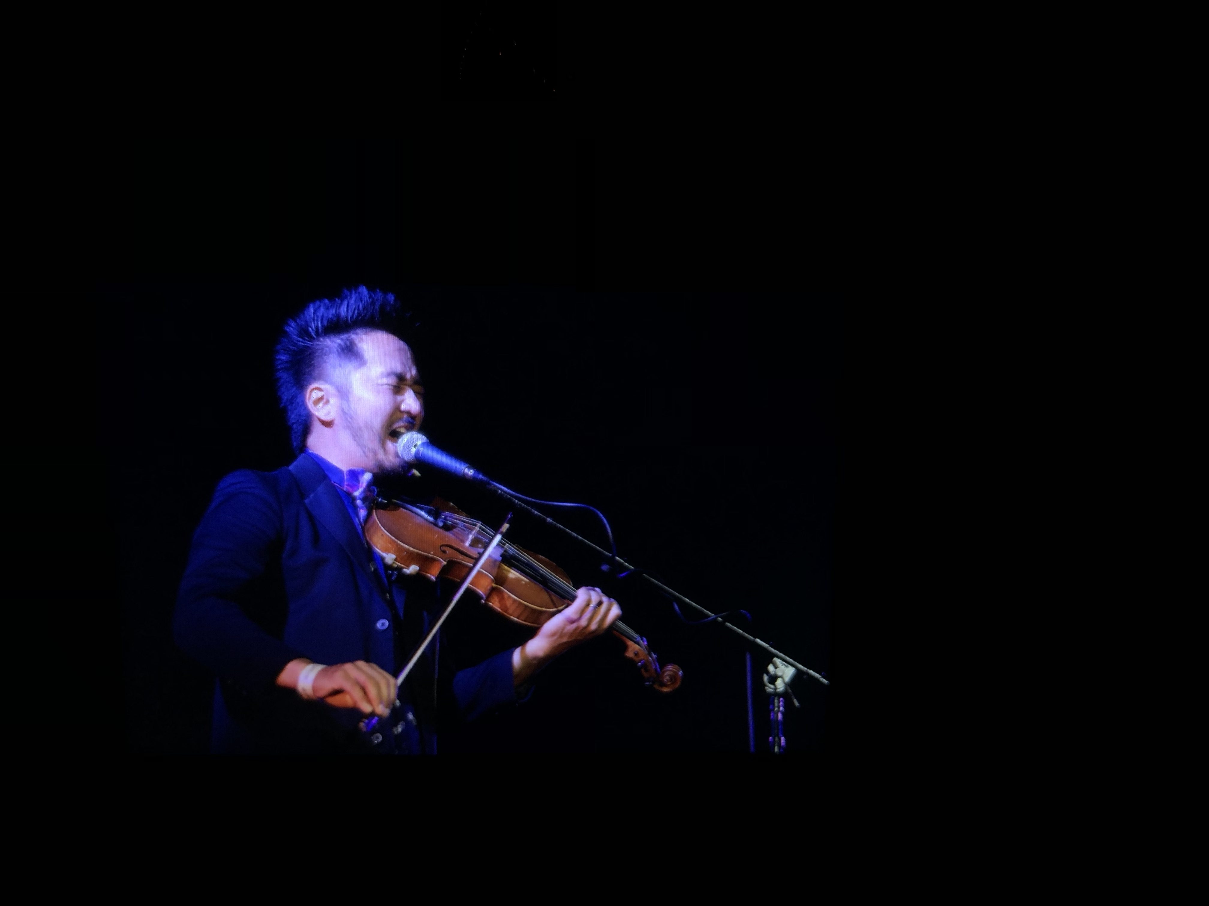 Kishi Bashi @ Skirball Cultural Center 8/23/18. Photo by Larry Sandez. Courtesy of the Skirball Culture Center. Used with permission.
