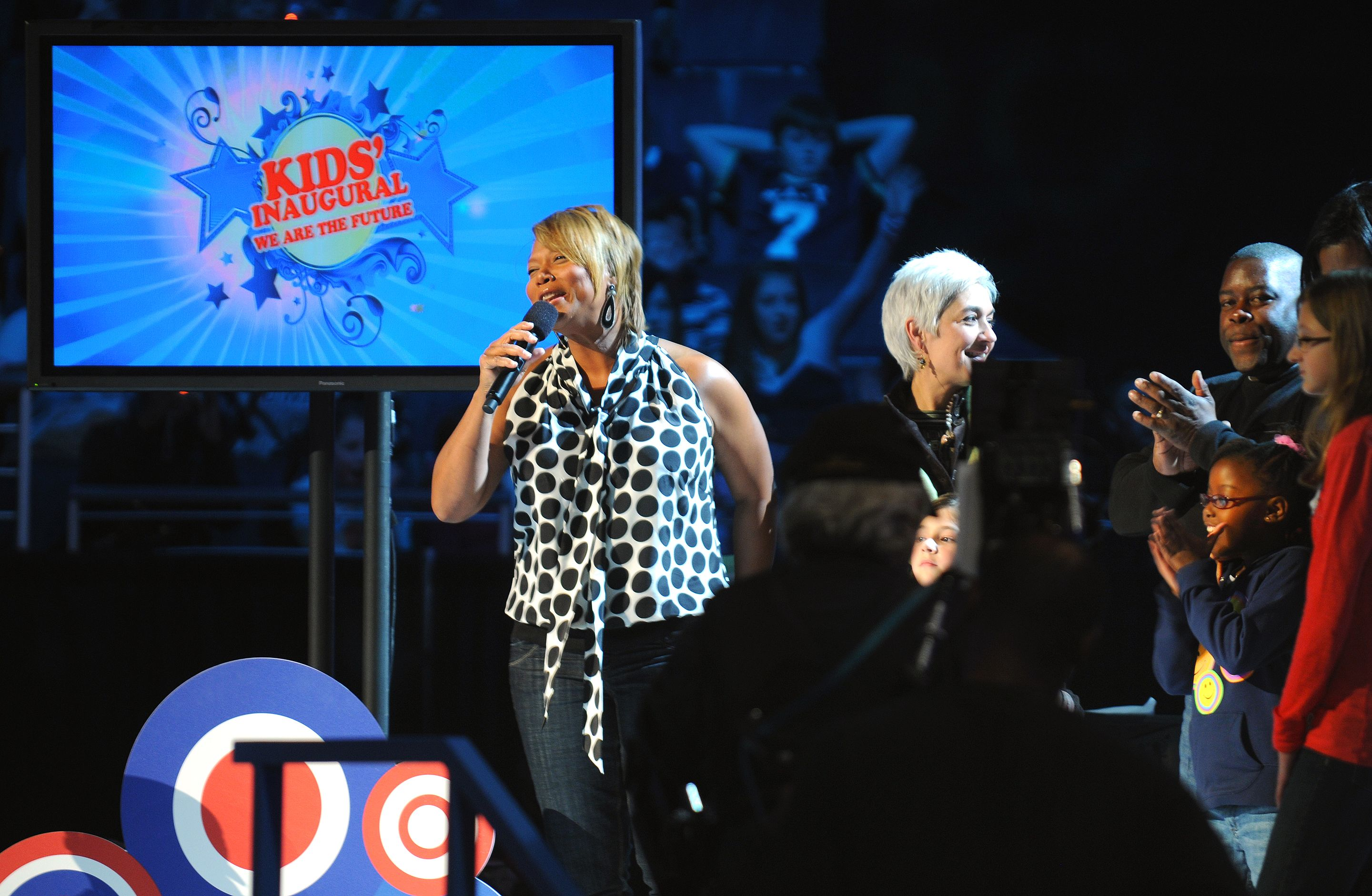 """Queen Latifah performing at the """"Kids Inaugural: We Are the Future"""" concert in 2009. Photo by U.S. Navy Petty Officer 1st Class Mark O'Donald. Wikipedia Commons."""