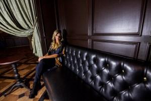 Amy Wilcox @ Hotel Cafe 11/1/18. Portrait. Photo by Derrick K. Lee, Esq. (@Methodman13) for www.BlurredCulture.com.