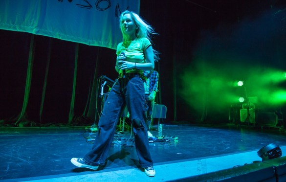 Carlie Hanson @ Greek Theatre 10/30/18. Photo by Derrick K. Lee, Esq. (@Methodman13) for www.BlurredCulture.com.