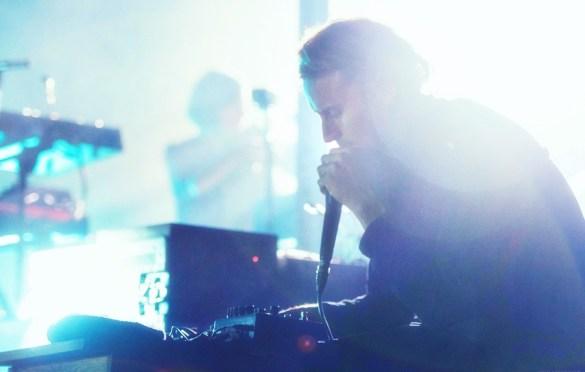 Ben Howard @ Hammerstein Ballroom 10/13/18. Photo by Vivian Wang (@Lithophyte) for www.BlurredCulture.com.