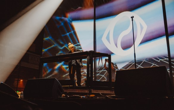 Joe Kay for Soulection Experience @ The Shrine Auditorium 2/2/19.  Photo by Summer Dos Santos (@SummerDosSantos) for www.BlurredCulture.com.