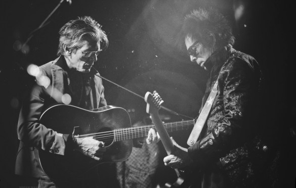 Charlie Sexton & Earl Slick for A Bowie Celebration @ Irving Plaza 3/5/19. Photo by Vivian Wang (@Lithophyte) for www.BlurredCulture.com.