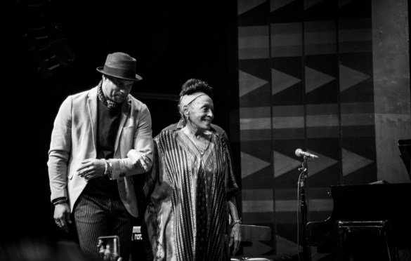 Omara Portuondo at the Regent Theater 4/19/19. Photo by Adriana Delgado (@a.lucreciad) for www.BlurredCulture.com.
