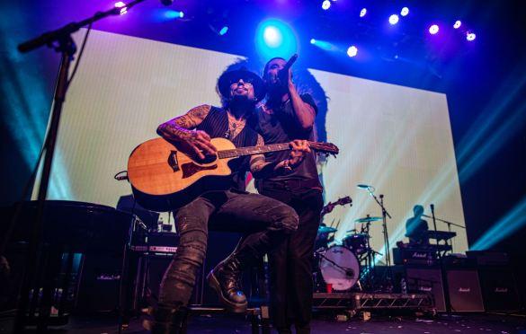 Dave Navarro & Gavin Rossdale, Above Ground @ Fonda Theatre 9/16/19. Photo by Derrick K. Lee, Esq. (@Methodman13) for www.BlurredCulture.com.