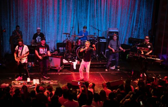 Los Cafres at the Regent Theater 8/30/19. Photo by Adriana Delgado (@a.lucreciad) for www.BlurredCulture.com.