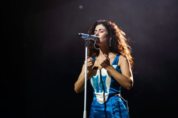 MARINA @ Greek Theatre 10/4/19. Photo by Derrick K. Lee, Esq. (@Methodman13) for www.BlurredCulture.com.