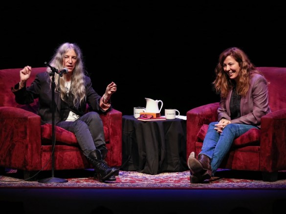 Patti Smith @ Alex Theatre 10/13/19. Photo by Varon P. Used with permission.