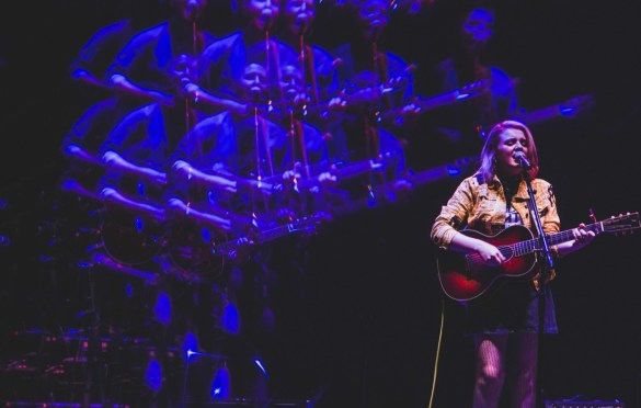 Maddie Poppe @ The Wiltern 10/4/19. Photo by Betsy Martinez (@BetsyMartinezPhotography) for www.BlurredCulture.com.