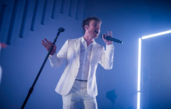 FINNEAS @ The Masonic Lodge at Hollywood Forever 10/18/19. Photo by Derrick K. Lee, Esq. (@Methodman13) for www.BlurredCulture.com.