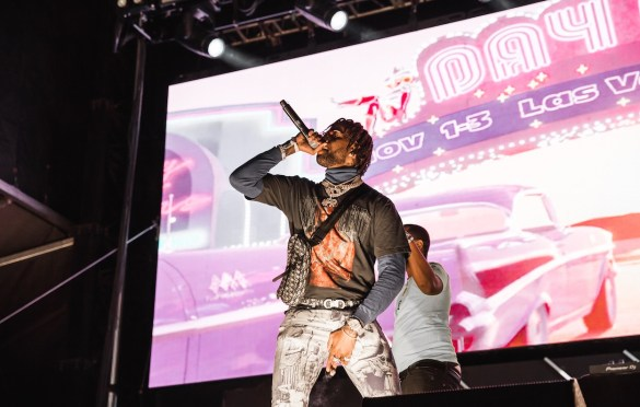 Hoodrich Pablo @ Day N Vegas 11/3/19. Photo by Ian Zamorano (@ChamoIsDead) for www.BlurredCulture.com.