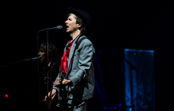 Beck @ Intersect Music Festival 12/6/19. Photo by Derrick K. Lee, Esq. (@Methodman13) for www.BlurredCulture.com.