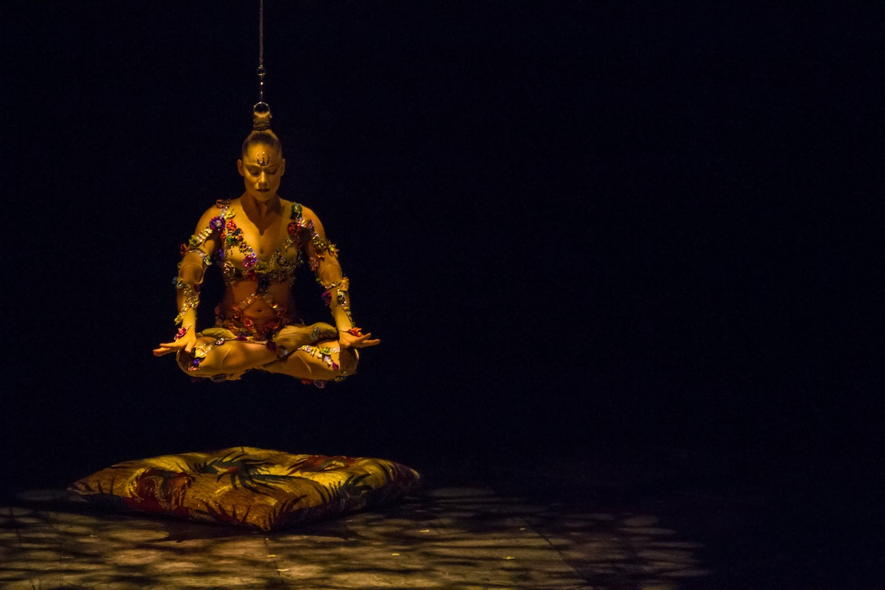 Volta. Photo by Benoit Z. Leroux. Costumes by Zaldy. Courtesy of Cirque Du Soleil. Used with permission.