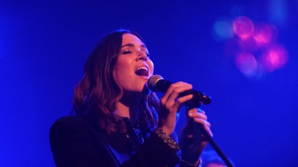 Mandy Moore @ Bootleg Theater 1/25/20. Photo by Nina Raj (@NinaRaj). Used with permission.