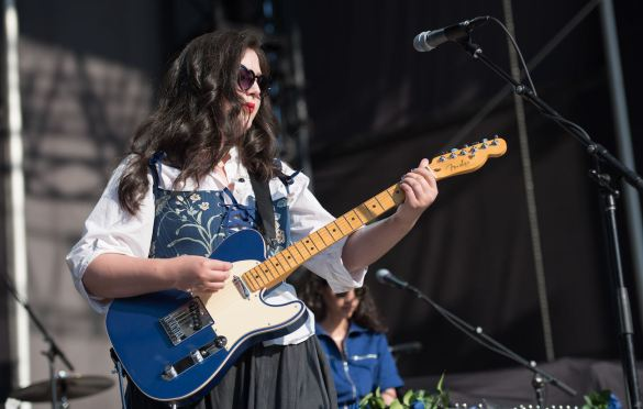 Lucy Dacus at Forest Hills Stadium 7/31/21. Photo by Vivian Wang (@lithophyte) for www.BlurredCulture.com.