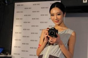 入門單鏡反光相機首選 370g 最輕相機 Canon EOS 100D