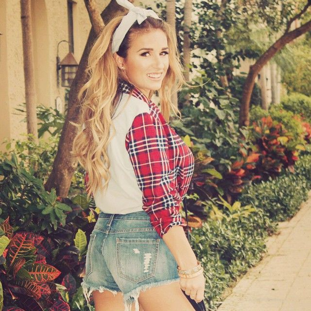 My Jessie James Decker Obsession Blushing In Hollywood