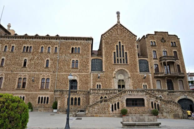 church-near-park-guell