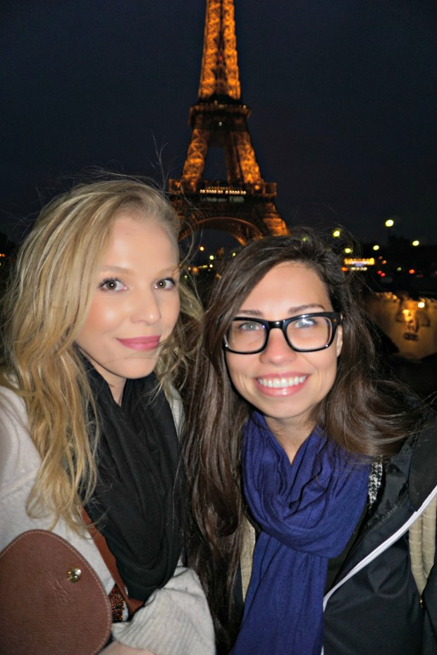 eiffel-tower-paris-at-night