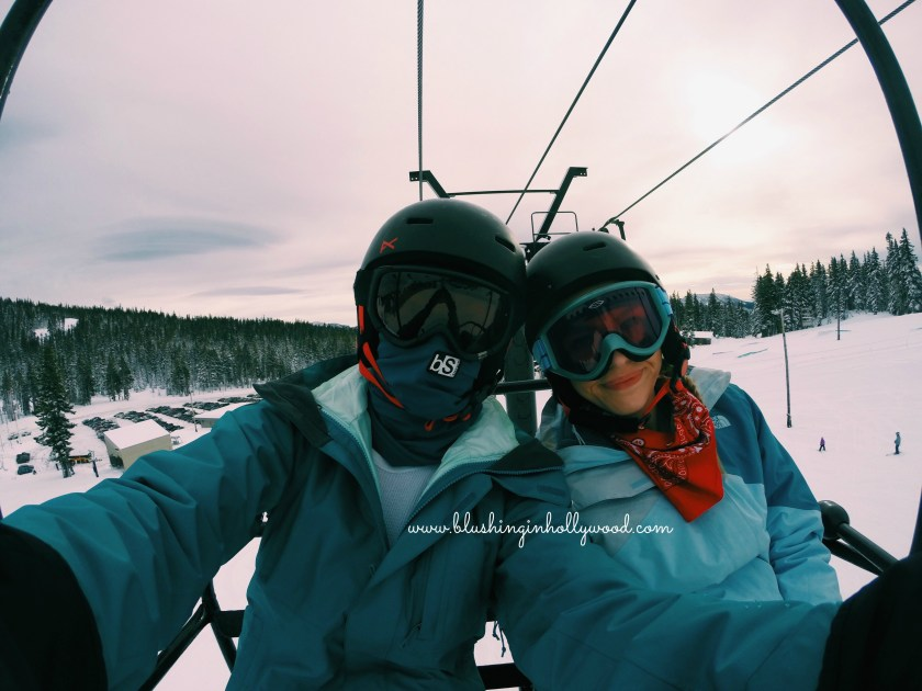 staying-warm-and-cute-while-skiing